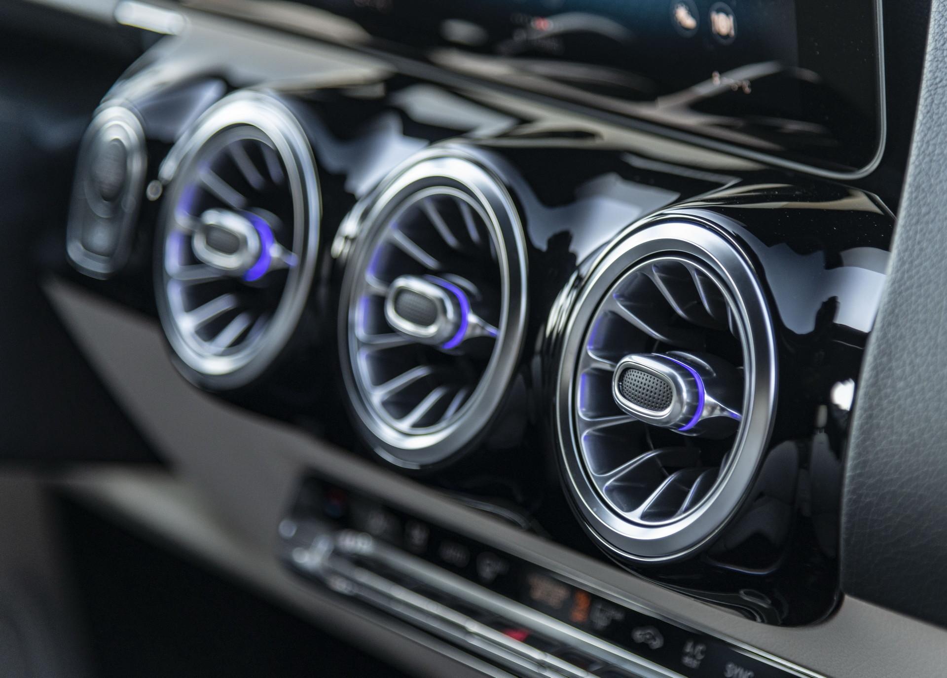 Foto de Mercedes-Benz GLA 2021 (93/103)