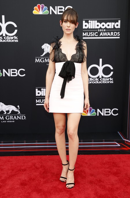 billboard music awards Alison Brie