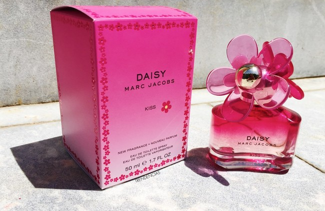 Marc Jacobs Daisy Kiss 2