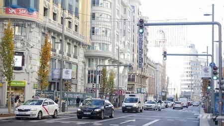 Madrid se prepara para vetar a los coches sin etiqueta de la DGT: 100 cámaras en la M-30 controlarán que no acceden al interior
