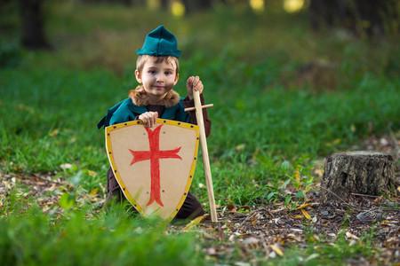 Niño disfrazado de Robin Hood