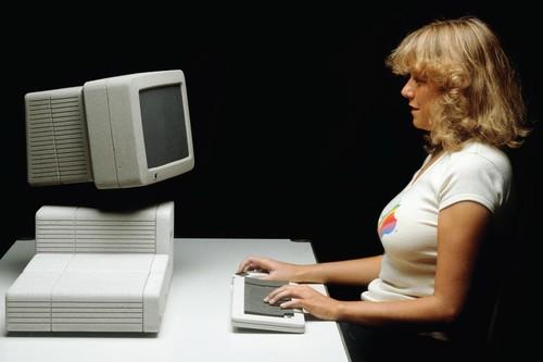 Hartmut Esslinger, el genio que en los 80 trazaba el camino a seguir en el diseño de producto de Apple