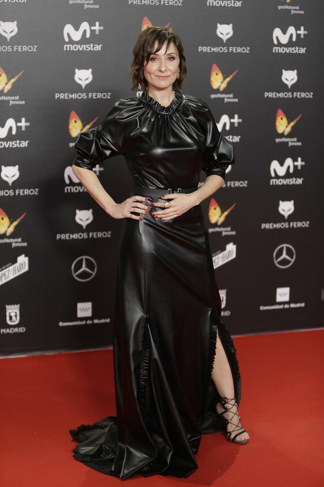 premios feroz alfombra roja look estilismo outfit nathalie poza