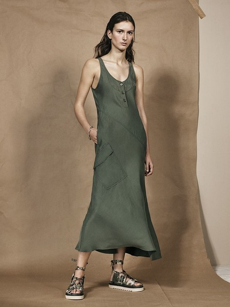 "El khaki invade la colección ""SRPLS 02"" de Zara: larga vida a la moda militar"