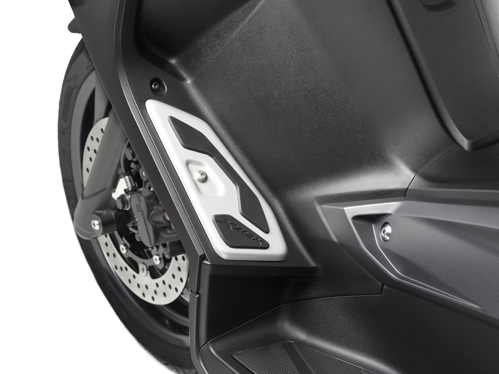 Foto de Yamaha X-MAX 400 MOMODESIGN, estudio y detalles (29/33)