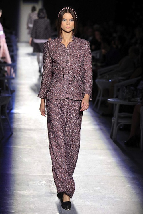 Foto de Chanel Alta Costura Otoño-Invierno 2012/2013: rosa, gris, brillos y nuevo vintage (13/61)