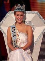 A la nueva Miss Mundo se le va a caer el pelo