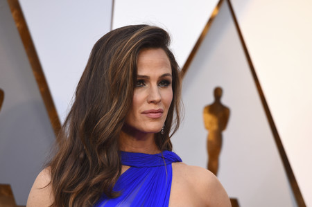 Oscars 2018: Jennifer Garner regresa a la alfombra roja con un azul de lo más espacial