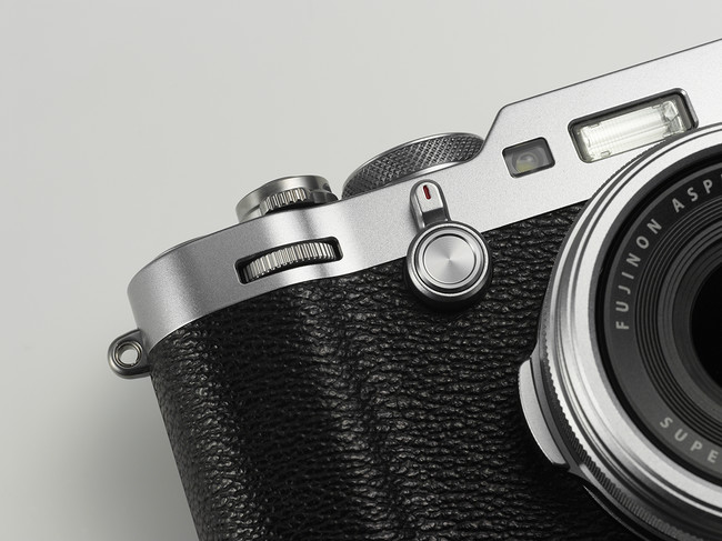 X100f Silver Image04