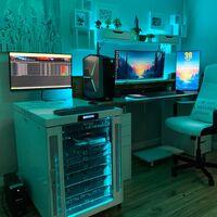 Cuando el PC no es suficiente: estos usuarios usan armarios y racks para sus alucinantes laboratorios domésticos