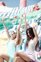 Cinco productos SOS que no deben faltar en tu neceser este verano (II)