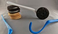 Dipr Cookie Spoon, un soporte para mojar galletas rellenas