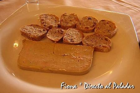 Tarrina de foie con pan de frutas