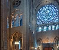 Philips ilumina la Catedral de Notre-Dame de París