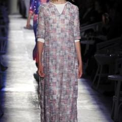 Foto 39 de 61 de la galería chanel-alta-costura-otono-invierno-2012-2013-rosa-gris-brillos-y-nuevo-vintage en Trendencias
