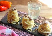 Tallarines con salsa de roquefort y carne picada. Receta