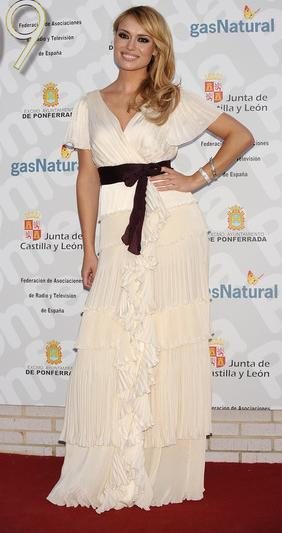 El look de Patricia Conde en la gala Micrófonos de Oro 2009
