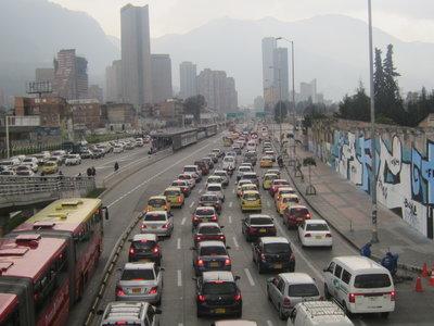 Colombia entre los peores países para conducir, según Waze