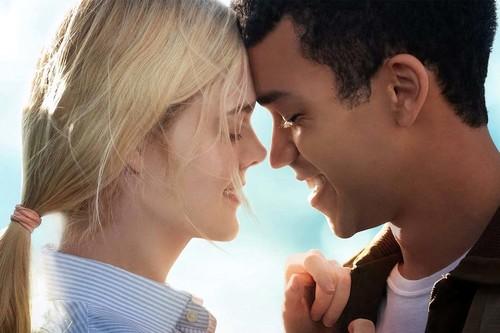 'Violet y Finch': un romance adolescente diferente para Netflix, apoyado en la química de sus protagonistas