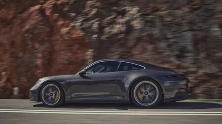 Porsche 911 Gt3 Touring 2021 002