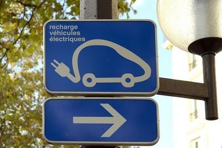 Francia, dispuesta a impulsar el vehículo eléctrico