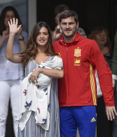 Sara Carbonero e Iker Casillas nos presentan a Lucas Casillas ¡atentas a su look!