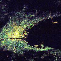 Distintas ciudades nocturnas vistas desde el espacio