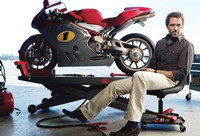 El Dr. House y su pasión por las motos