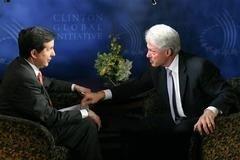 Una entrevista a Clinton acaba en discusión