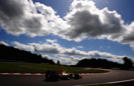 Fernando Alonso no tuvo su día en Spa