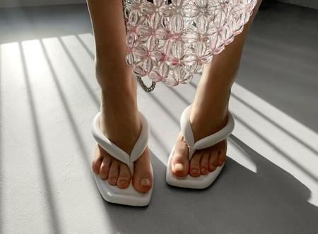 Las sandalias que llevabas en la juventud vuelven a estar de moda y Zara nos lo demuestra con estilo