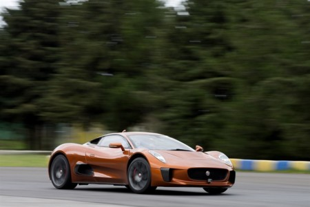 Felipe Massa conduce el Jaguar C-X75 concept