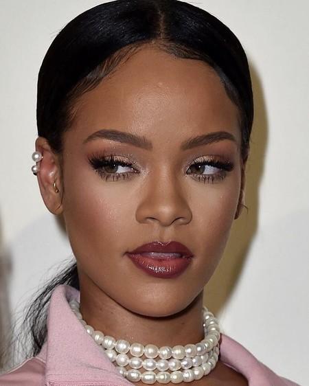 Rihanna se pasa a las rastas