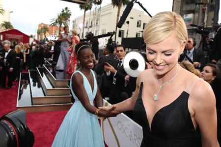 Expertas en enamorar en los Oscar: las 17 mejor vestidas de la alfombra roja