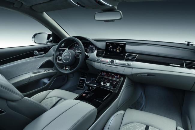 Audi S8 Salpicadero
