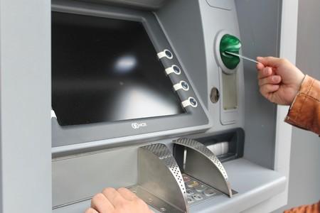 Cómo funciona la tecnología que clona tarjetas en cajeros automáticos