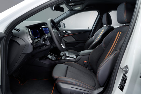 BMW Serie 1 2019 plazas delanteras