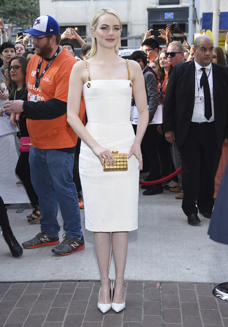 tiff toronto international look celebrity alfombra roja red carpet emma stone