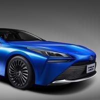 De patito feo a cisne: el nuevo Toyota Mirai será un coche de hidrógeno un 30% más de autonomía y mucho más agraciado