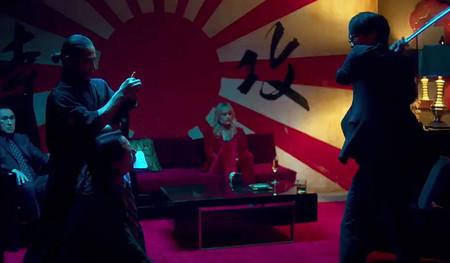 Hideo Kojima sale en Too Old To Die Young, la serie de Winding Refn para Amazon Prime. Y en el tráiler hace un violento cameo