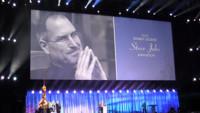 John Lasseter recoge con un emotivo discurso el premio Disney Legends dedicado a Steve Jobs