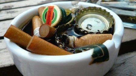 Tabaco, alcohol y refrescos, también influyen sobre nuestros huesos