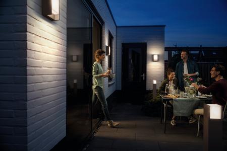 ¡A los españoles nos gusta la luz! Y por eso preferimos comprar casas con iluminación exterior