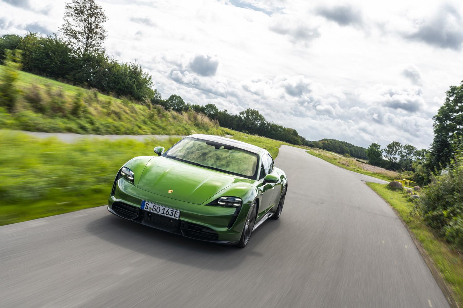 Foto de Porsche Taycan prueba contacto (210/275)