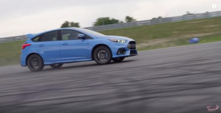 Video: El Ford Focus RS y su Drift Mode son garantía de diversión para todas las edades