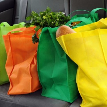 Bolsas ecológicas contienen el mismo material que los popotes, alertan