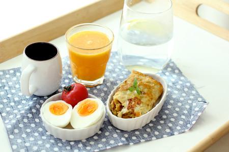 La hora en que te levantes afecta lo que comes durante el día