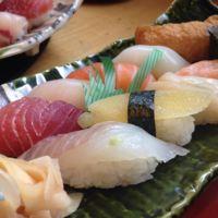 Posiblemente no estés comiendo correctamente el Nigiri Sushi. Así es cómo se hace.
