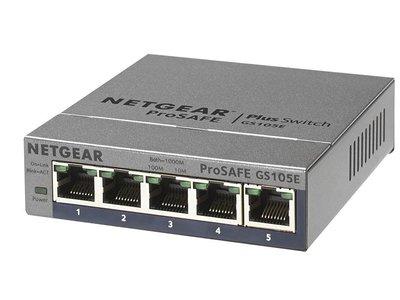 ¿Te faltan puertos ethernet? En Amazon tienen la solución: este switch Netgear GS105E por 24,90 euros