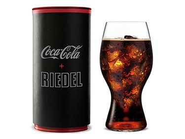 Un vaso especial para que la Coca Cola sepa mejor